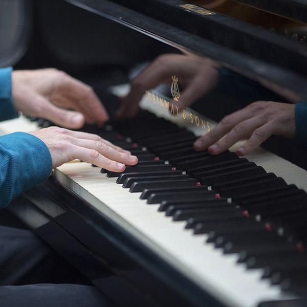 立式钢琴调律